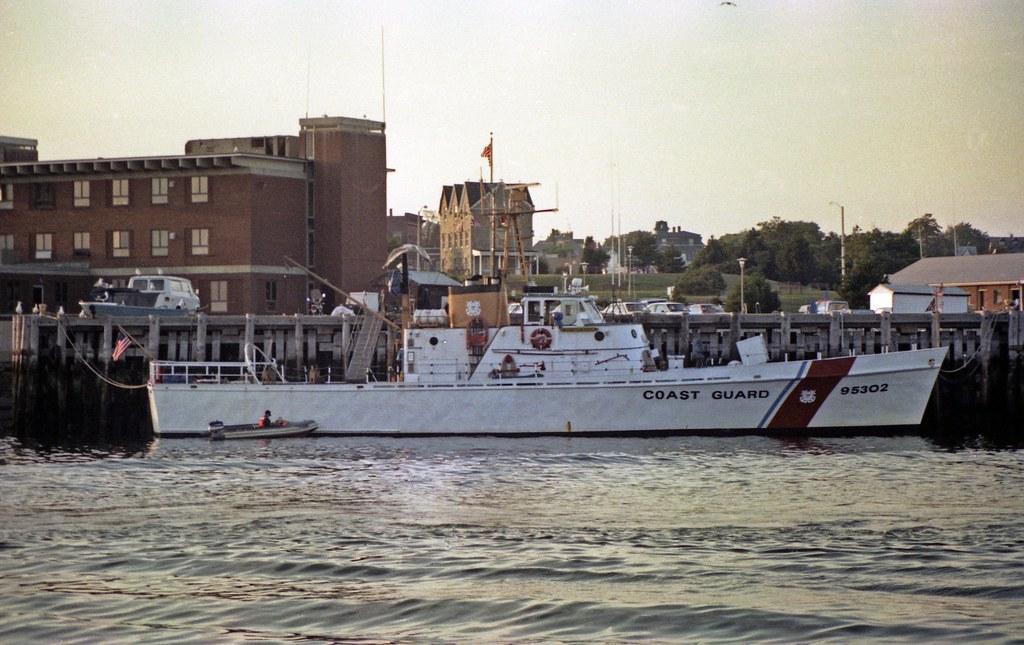 30 Foot Boat >> CapeHiggon USCG95302 Gloucester 8-30-1981 | The US Coast Gua… | Flickr