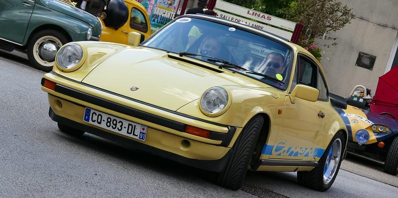 911/3,2 litres jaune et bleue à Linas (91) Juin 216 27320380173_b168abb56a_c
