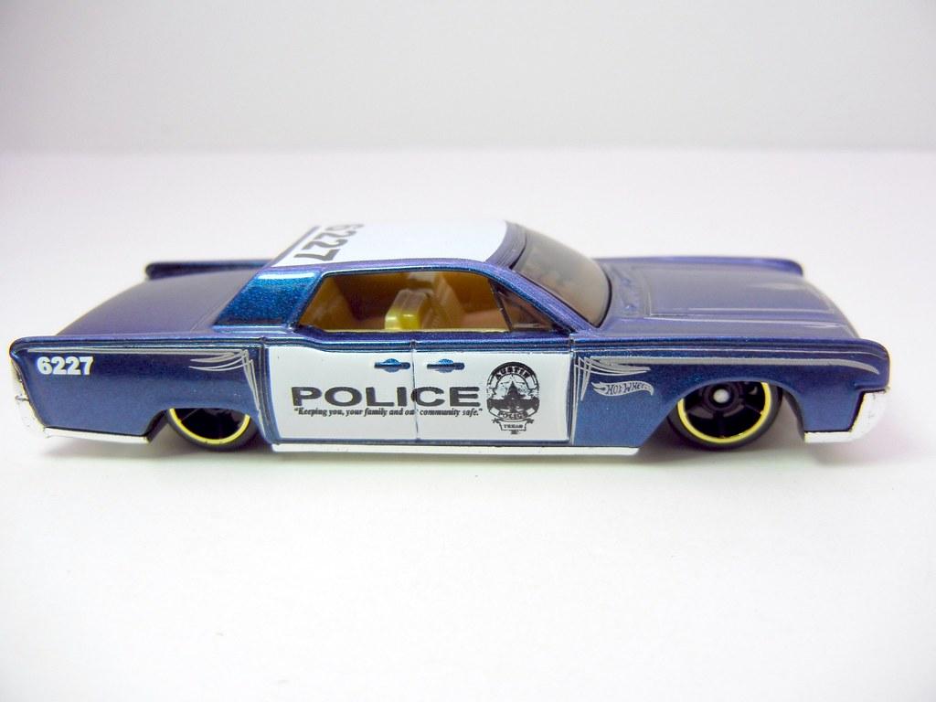 hot wheels 39 64 lincoln continental police blue 2 flickr. Black Bedroom Furniture Sets. Home Design Ideas