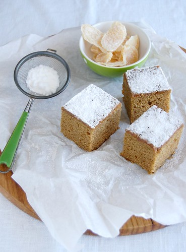 Ginger and molasses cake / Bolo de gengibre e melado | by Patricia Scarpin