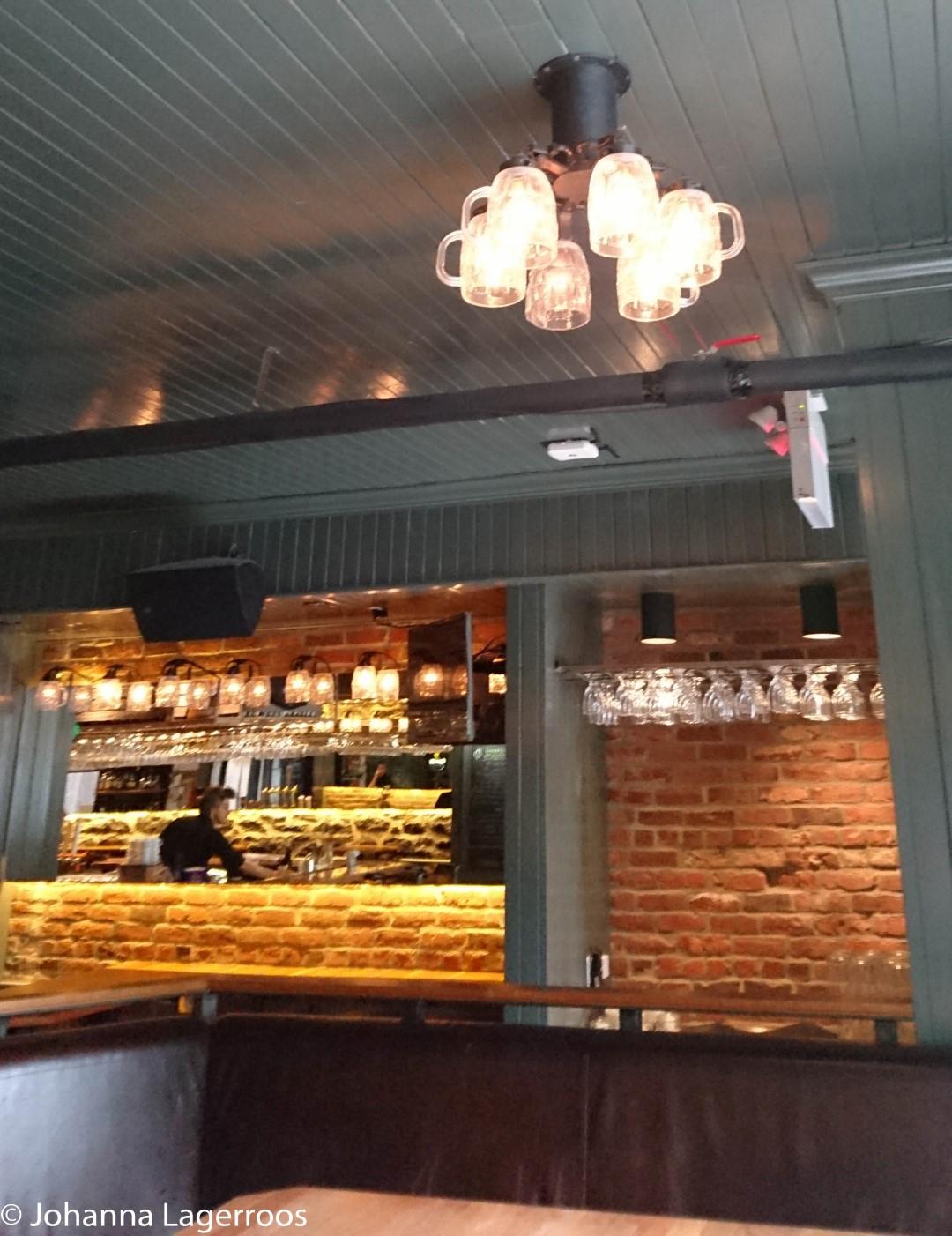 Beer glass ceiling lamp