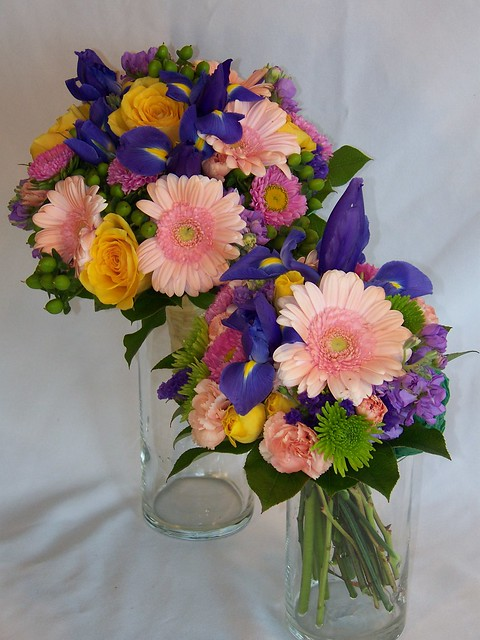 Flowers In Season For A June Wedding : Photo