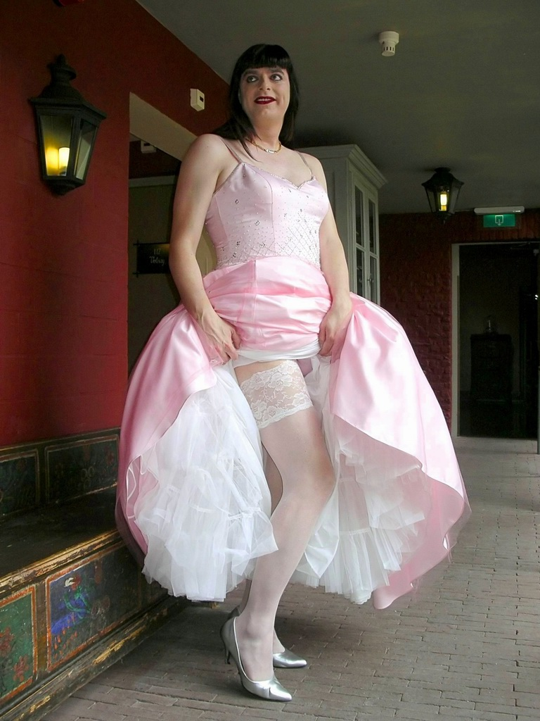 Petticoat and stockings | The skirt of my ball gown is