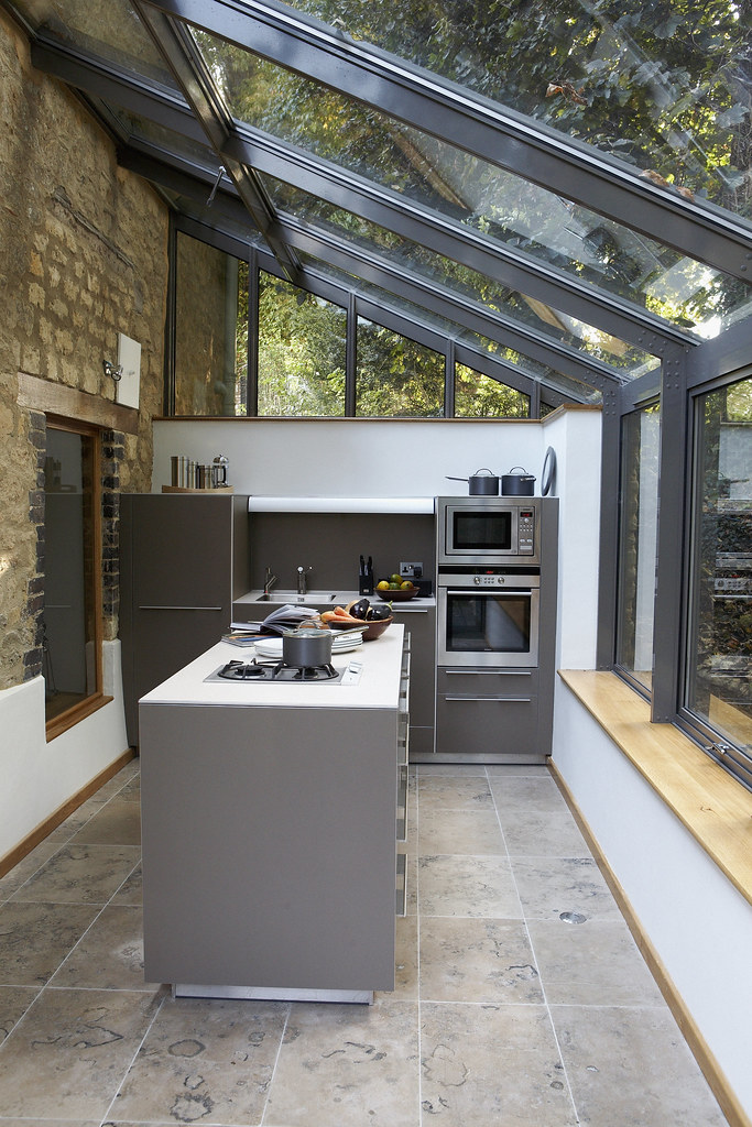 Farmhouse kitchen extension this industrialised kitchen - Cuisine dans veranda photo ...