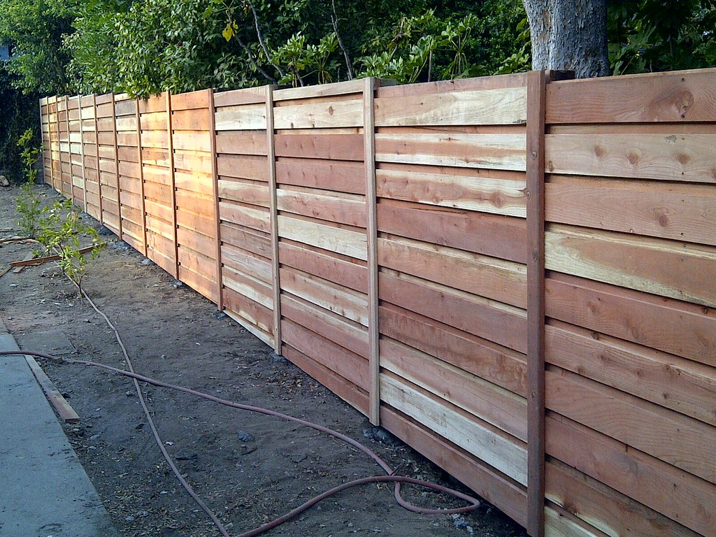 Board On Board Overlapping Horizontal Redwood Fence Flickr