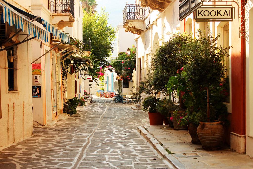 Paroikia, narrow streets