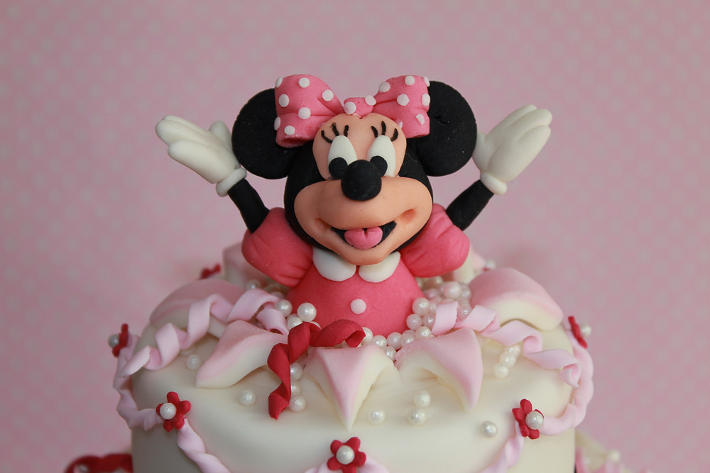 minnie mouse cake pan minnie mouse cake this week it was my turn to make a 5942