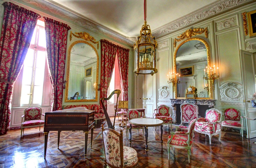 Chateau de versailles petit trianon salon de compagnie for Le petit salon de jimmy