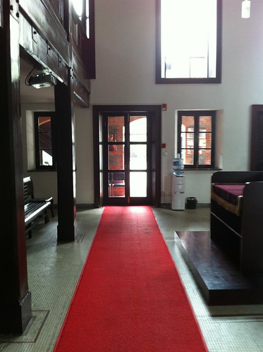 Red Carpet inside the Synagogue | by allofasuddenpartJew1
