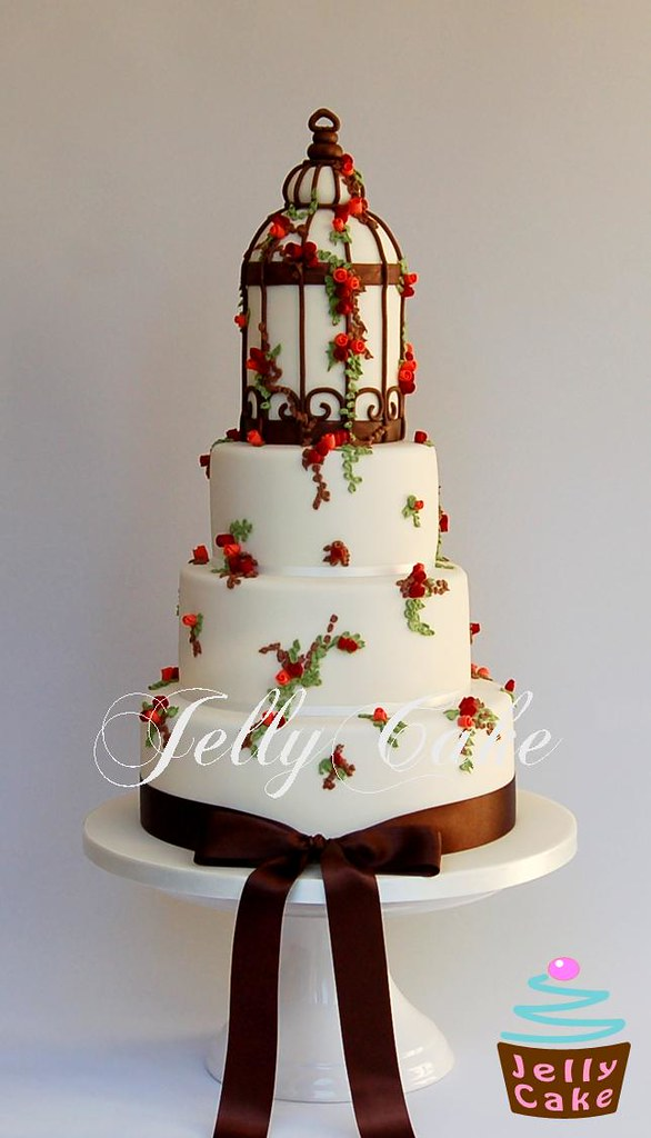 bird cage wedding cake autumn bird cage wedding cake a pretty autumnal bird 11776