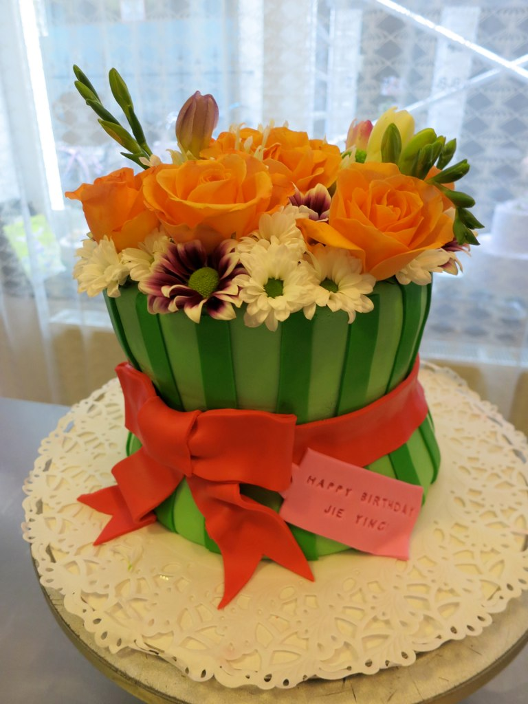 Flower bouquet birthday cake cakeamsterdam flickr dhlflorist Images