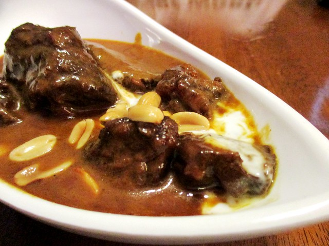 Sakhon massaman curry beef