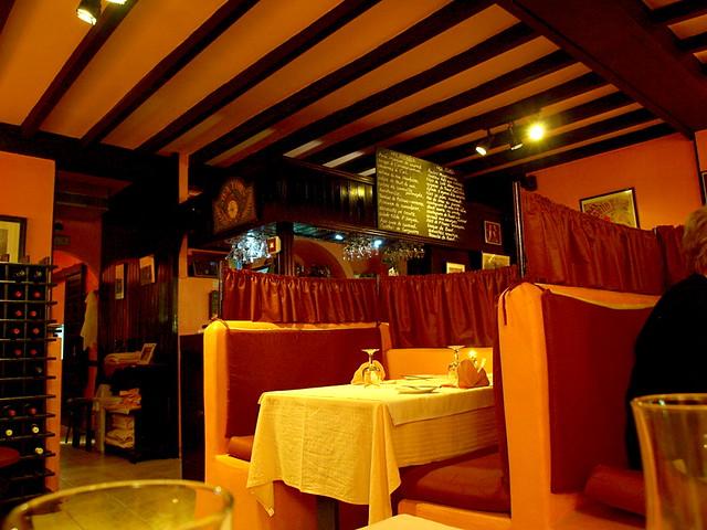 Restaurant montmartre costa teguise lanzarote flickr for Restaurant miroir montmartre