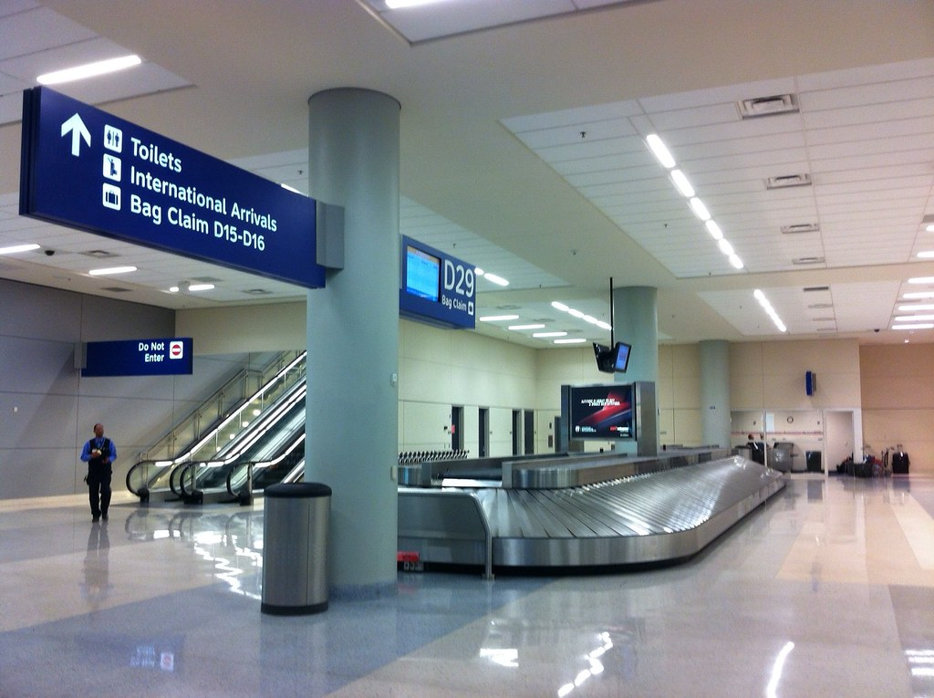 Dfw Airport Terminal D Baggage Claim Photo I050 By Grant W