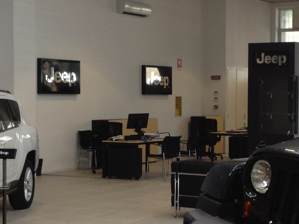 Motor Village Roma Il Nuovo Showroom Jeep Il Desk Del Nu Flickr
