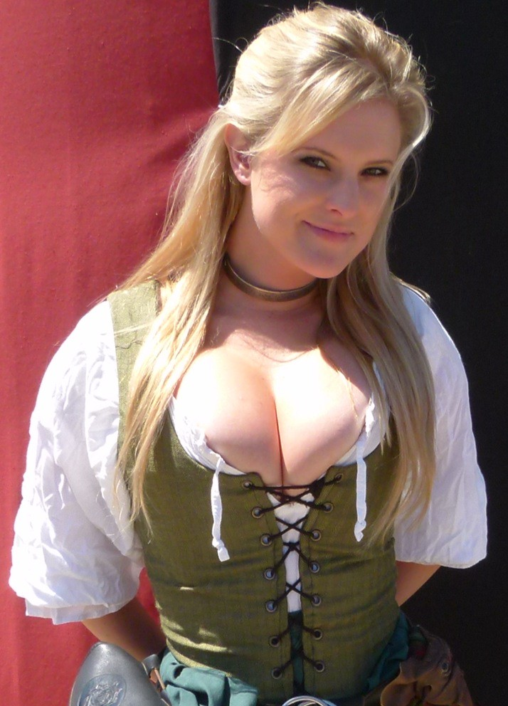 Women really Hot busty medieval girls