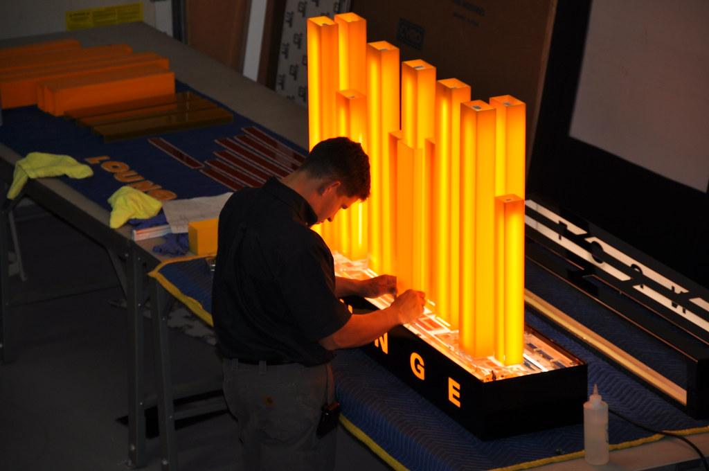 Illuminated Sign Sign Design Sign Manufacture Lounge