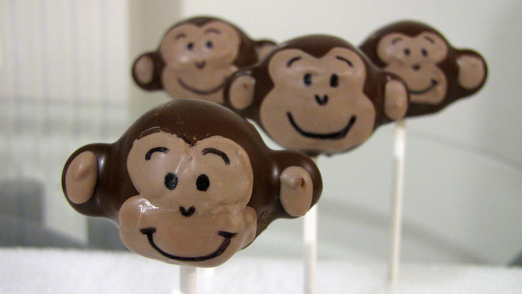 Monkey Cake Design Easy : Monkey cake pops www.dessertdecoratingblog.com dessert ...