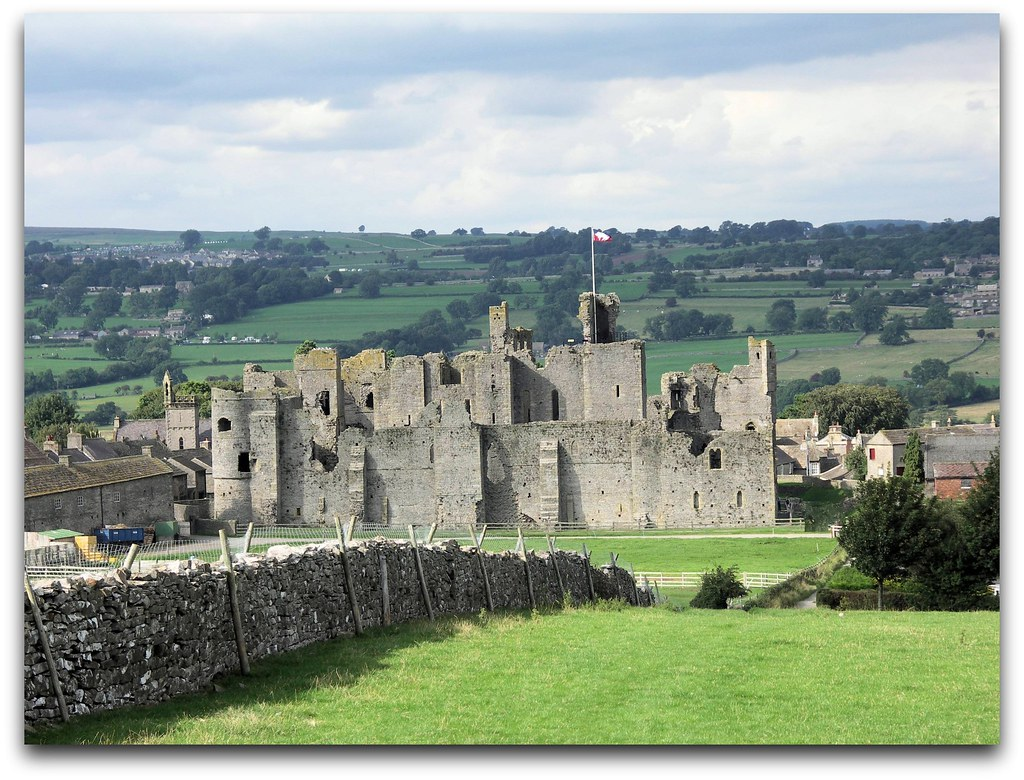 Middleham Castle Wensleydale North Yorkshire Once Home