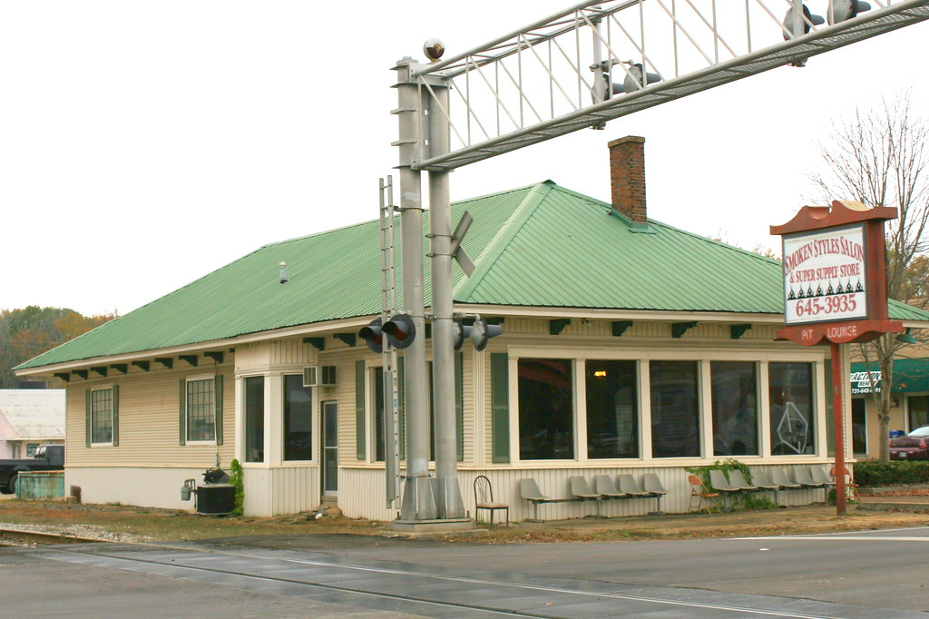 Selmer Tn Depot In The Late 19th Century Mcnairy