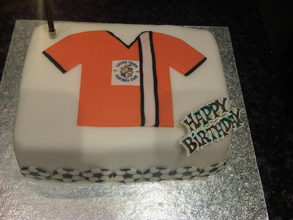 Birthday Cake In Luton