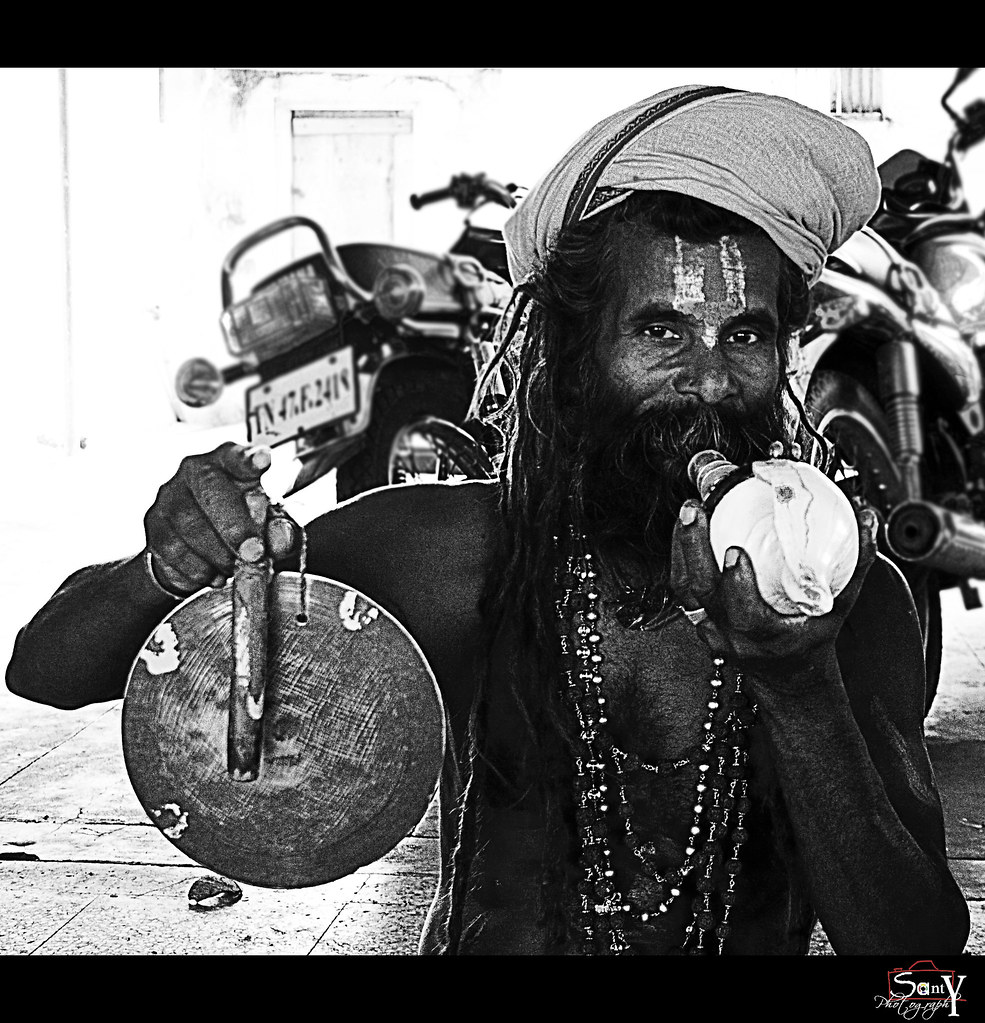 the aghori Aghori uses corpses and skull aghori are known to use corpses as a communion table to pray or meditate, a practice known as shava samskara as per ritual they believe the dead body is a symbol of their own body.