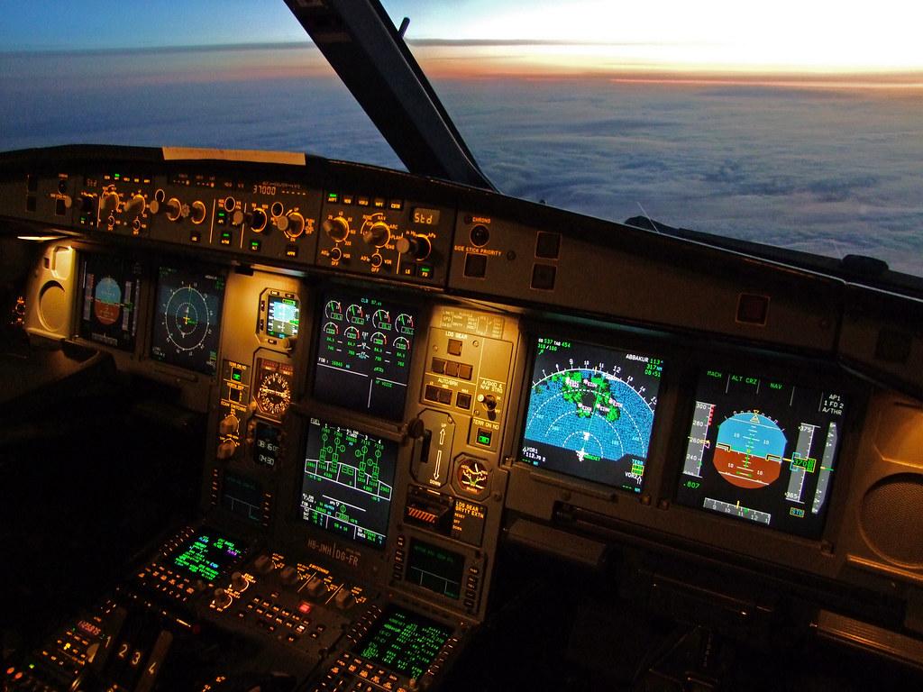 Swiss Airbus A340 300 Flightdeck Hb Jmh As We Approach