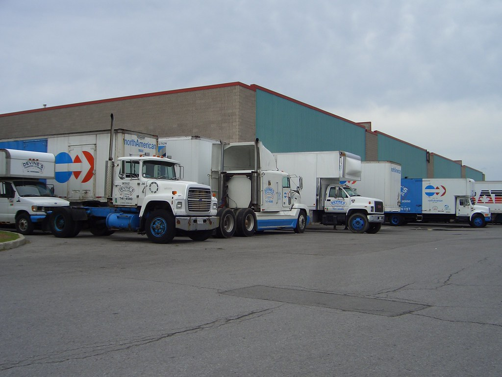 Devine S Moving North American Van Lines Trucks Ottawa