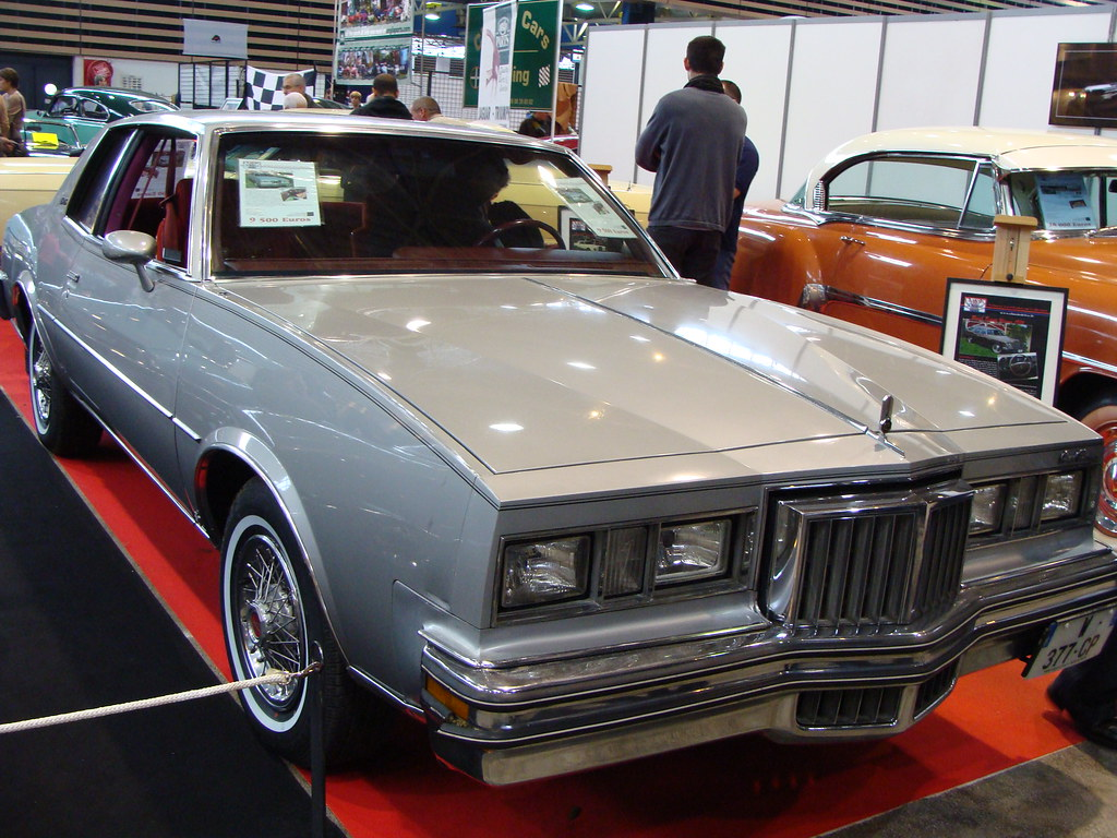 Pontiac Grand Prix SJ 1979 | Pour 1978, cure d ...
