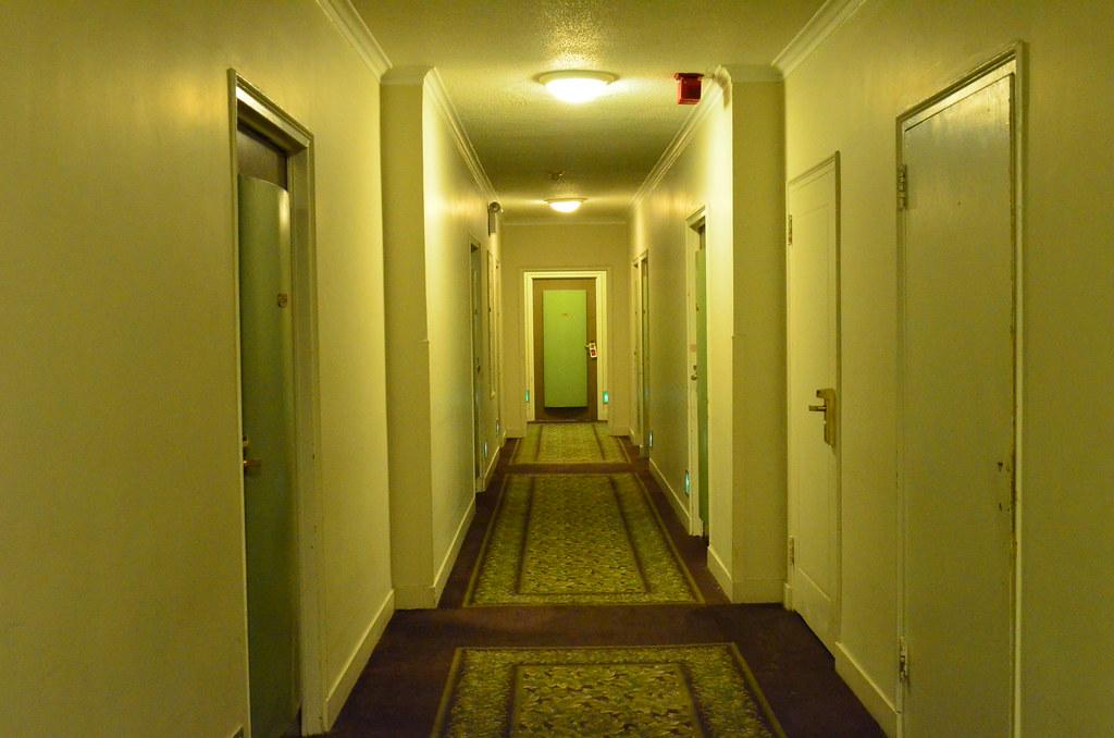 Hotel pennsylvania new york the shining look like for Pennsylvania hotel new york haunted