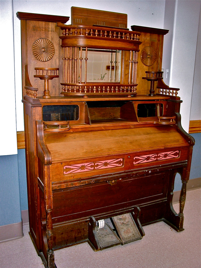 Pump It Up Prices >> antique • pump.organ   Middlebury, Vermont USA • Seen in ...