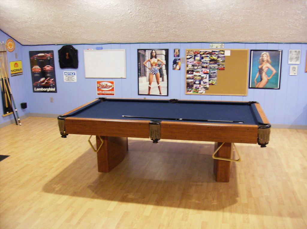 Garage game room pool table this is the pool table in for Garage game room
