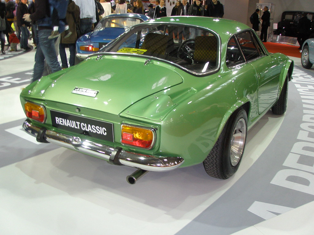 alpine renault a110 berlinette verte gros feux ar flickr. Black Bedroom Furniture Sets. Home Design Ideas