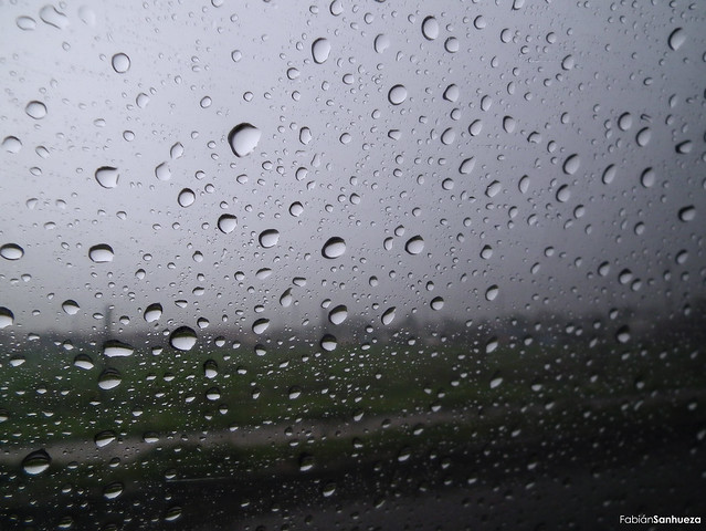 Gotas de agua de lluvia flickr photo sharing - Agua de lluvia ...