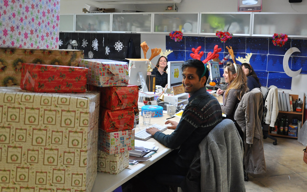 Fantastic  Gallery Of Creative Office Cubicle Decorating Ideas For Christmas