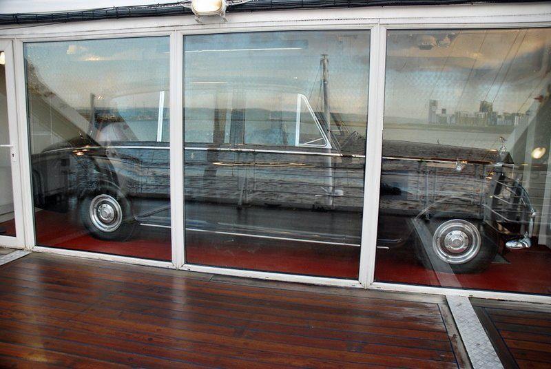Garage royal yacht britannia for Garage royal auto