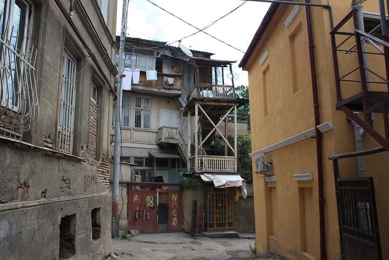 УлицамиТбилиси (Грузия)