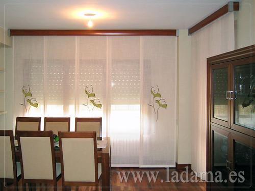 Decoraci n para salones cl sicos cortinas con dobles cortinas y bandos tapicer as paneles - Estores y paneles japoneses ...