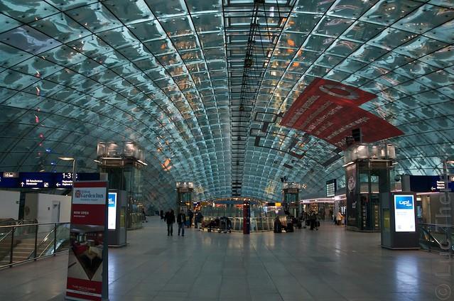 002 escale l 39 a roport et la gare de train de francfort flickr photo sharing. Black Bedroom Furniture Sets. Home Design Ideas