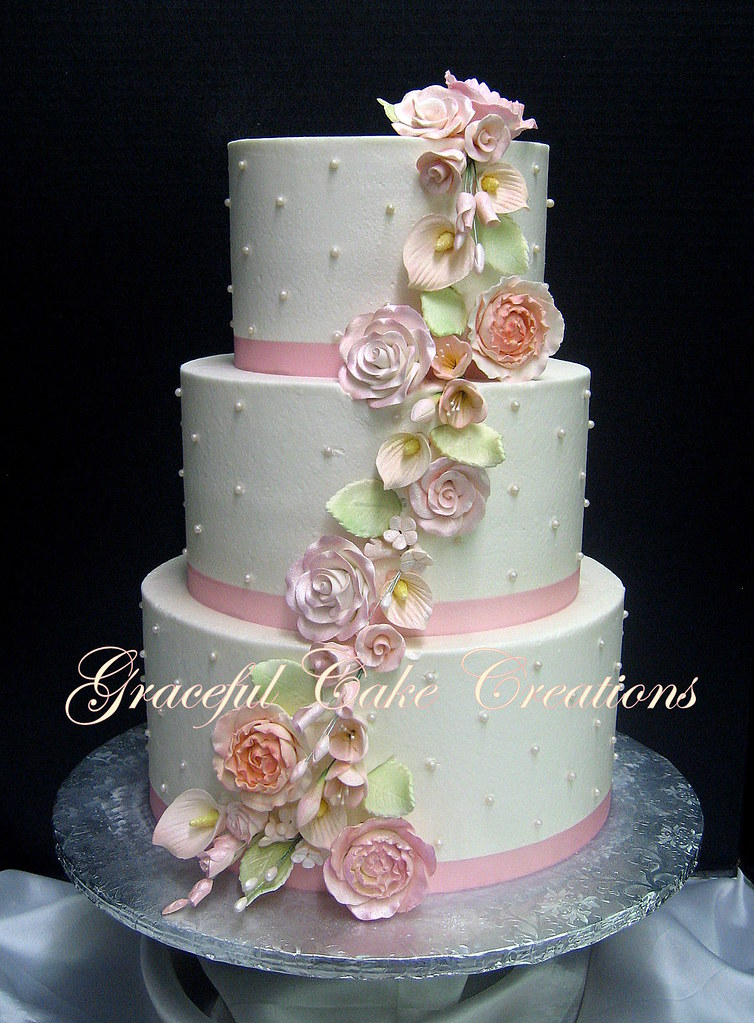 ivory and blush pink wedding cakes ivory wedding cake with blush pink sugar flowers a 16535