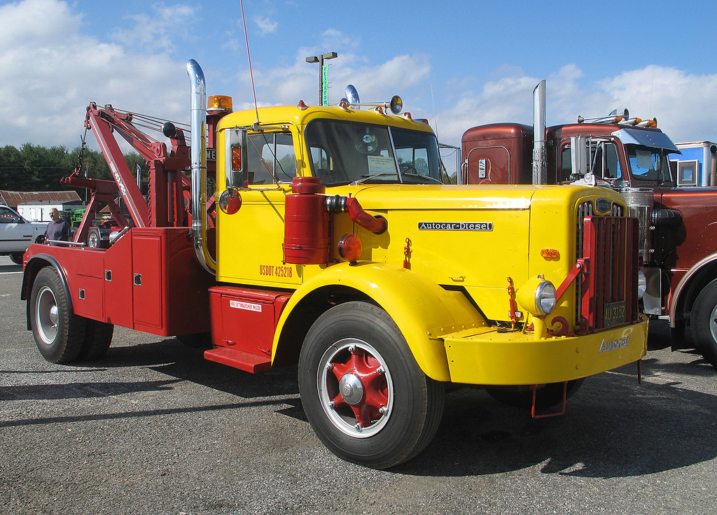 Flatbed Tow Truck >> Classic Autocar Diesel Tow Truck | At the 2005 Fall ...