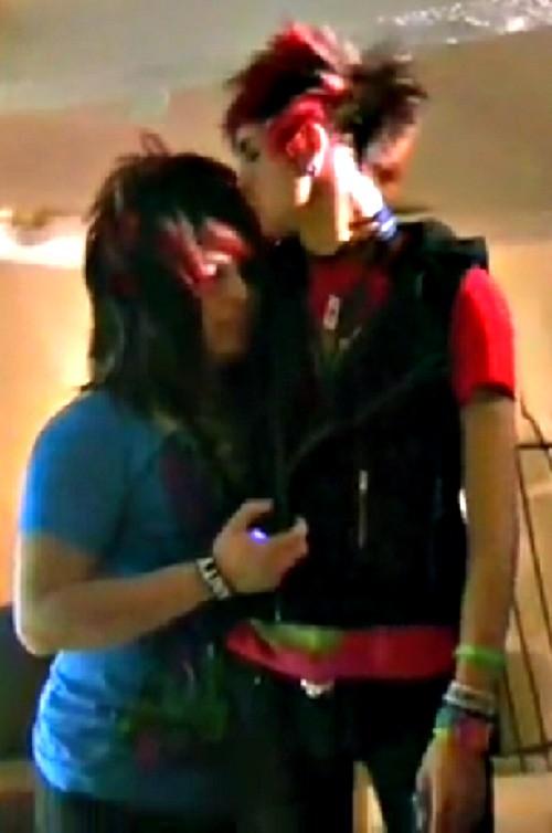 Jayy Von Monroe And Dahvie Vanity Kiss Jayy kissing Dahvie   ...
