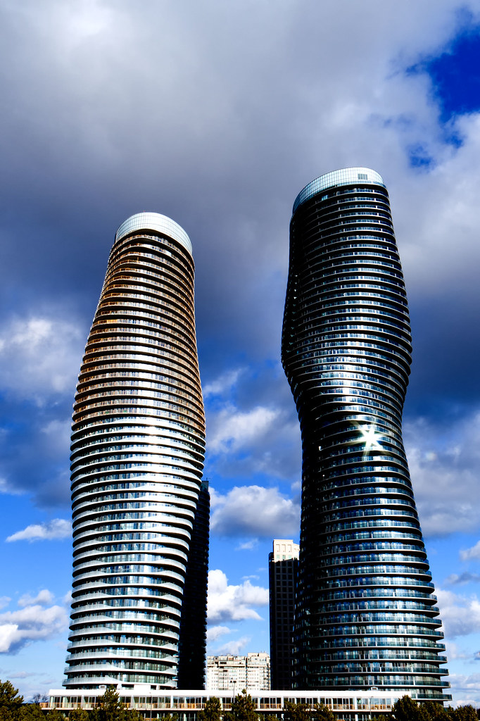 Absolute world twisted towers storeys 56 50 height for Absolute towers