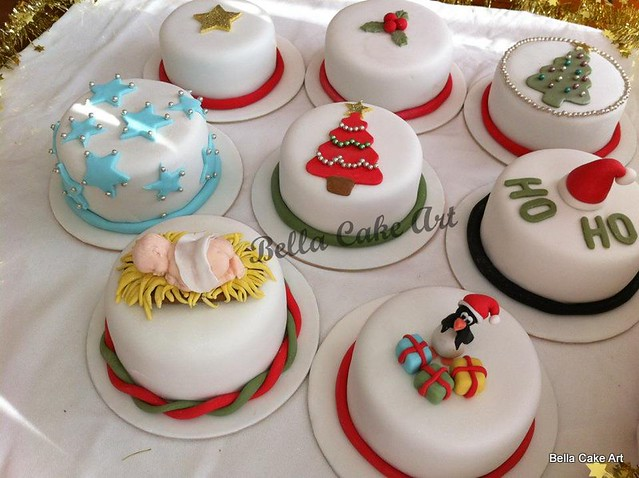 Mini Chocolate Mud Christmas Cakes | Flickr - Photo Sharing! Christmas Mini Cakes