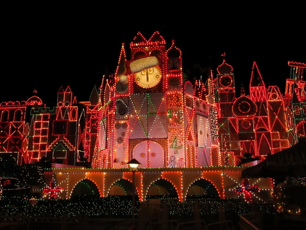 It's a Small World at Night, Fantasyland Disneyland, Anahe ...