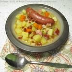 Kartoffeleintopf mit Mettwürstchen