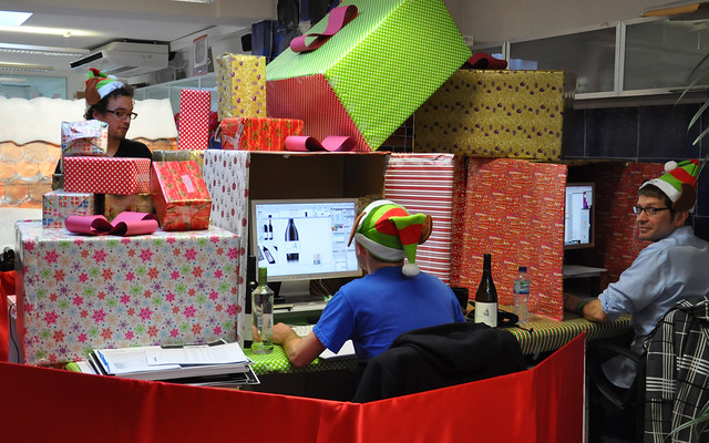 christmas office desk decorations photo3