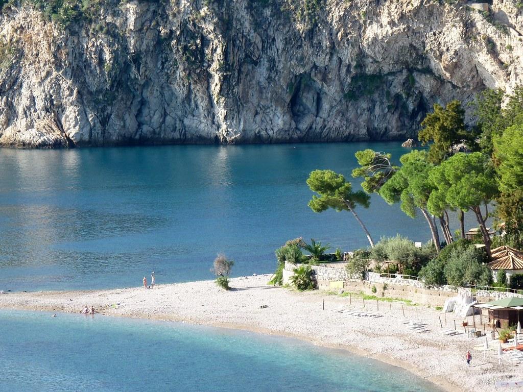 Taormina The Beautiful Beach Of Isola Bella Isola Bella Flickr