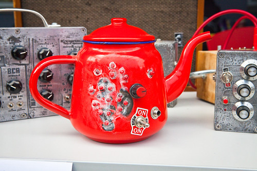 Awesome teapot noise machine, from @atosha | by laRuth