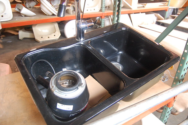Americast Black Double Basin Kitchen Sink With Grohe Faucet And Disposal 150 Retail 700
